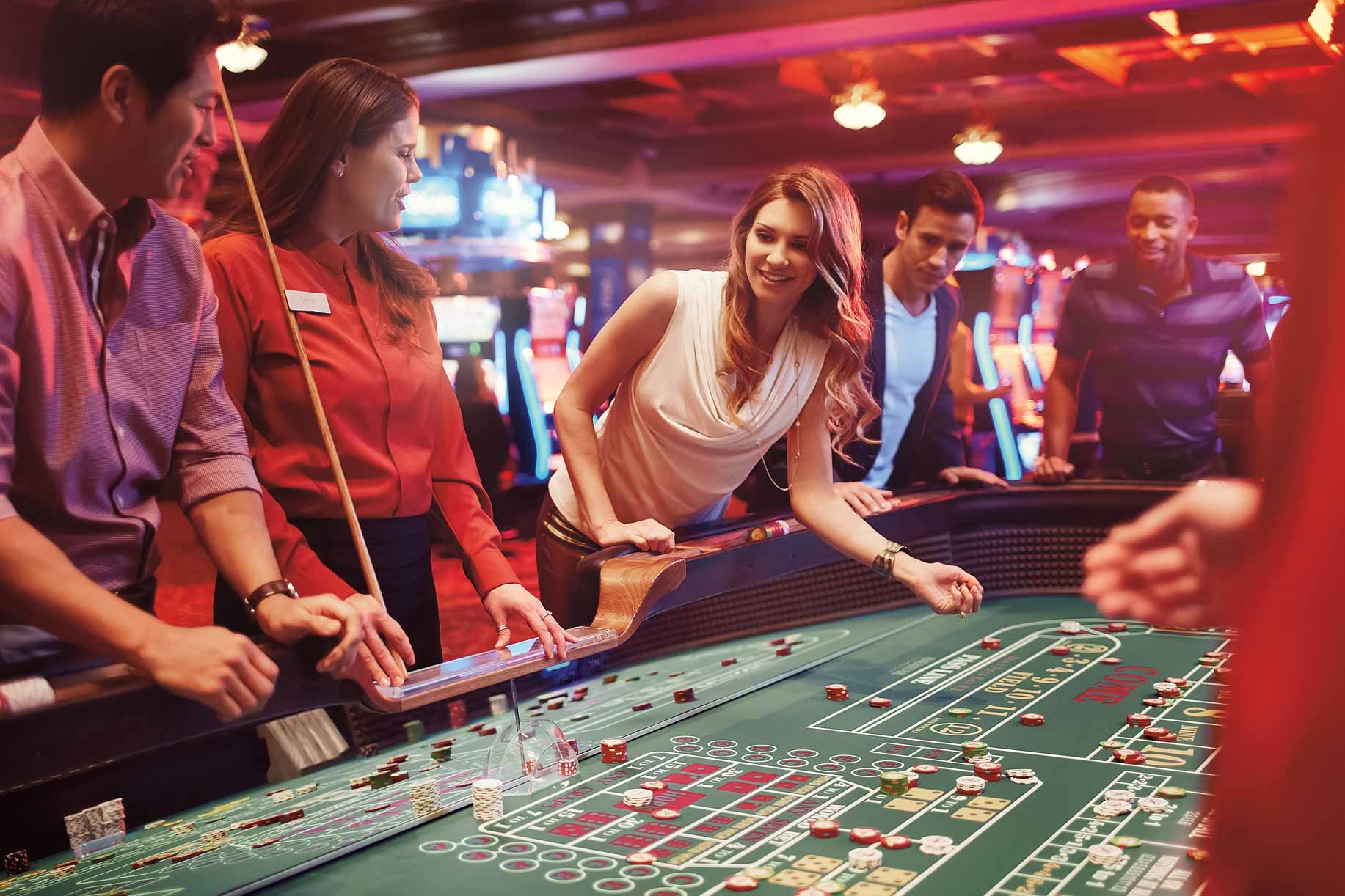 ameristar-east-chicago-group-playing-craps